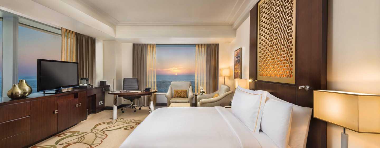 Hotel Conrad Dubai, Emirati Arabi Uniti - Camera d'angolo Deluxe con letto king size del Conrad Dubai