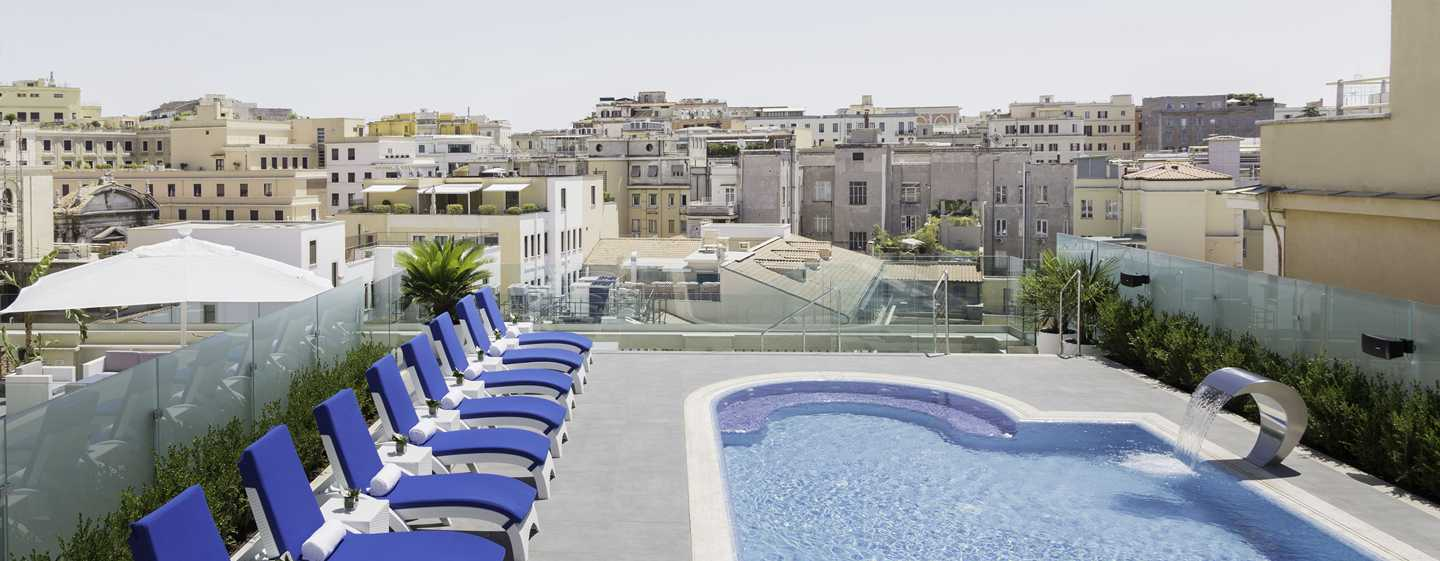 Hotel a roma aleph rome hotel curio collection by hilton for Hotel piscina roma