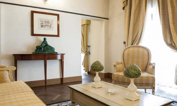 Grand Hotel Villa Torretta Milan Sesto, Curio Collection by Hilton, Italia - Soggiorno della Suite Junior