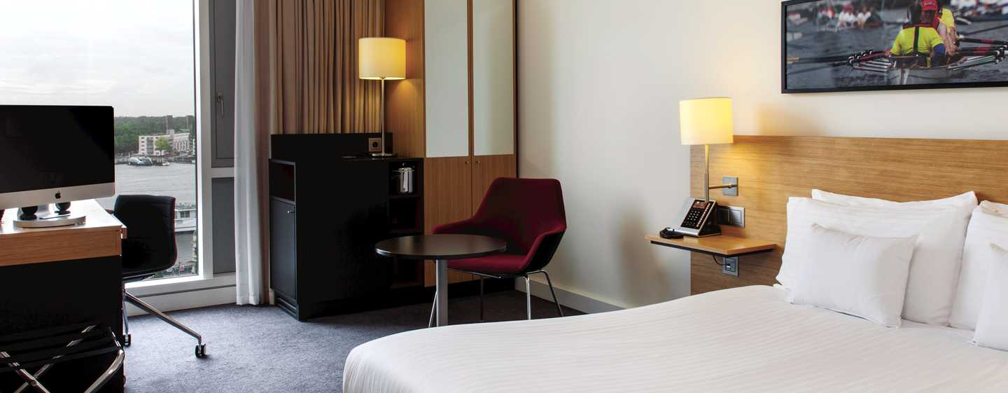 Hotel DoubleTree by Hilton Amsterdam Centraal Station, Paesi Bassi - Camera Deluxe con letto king size