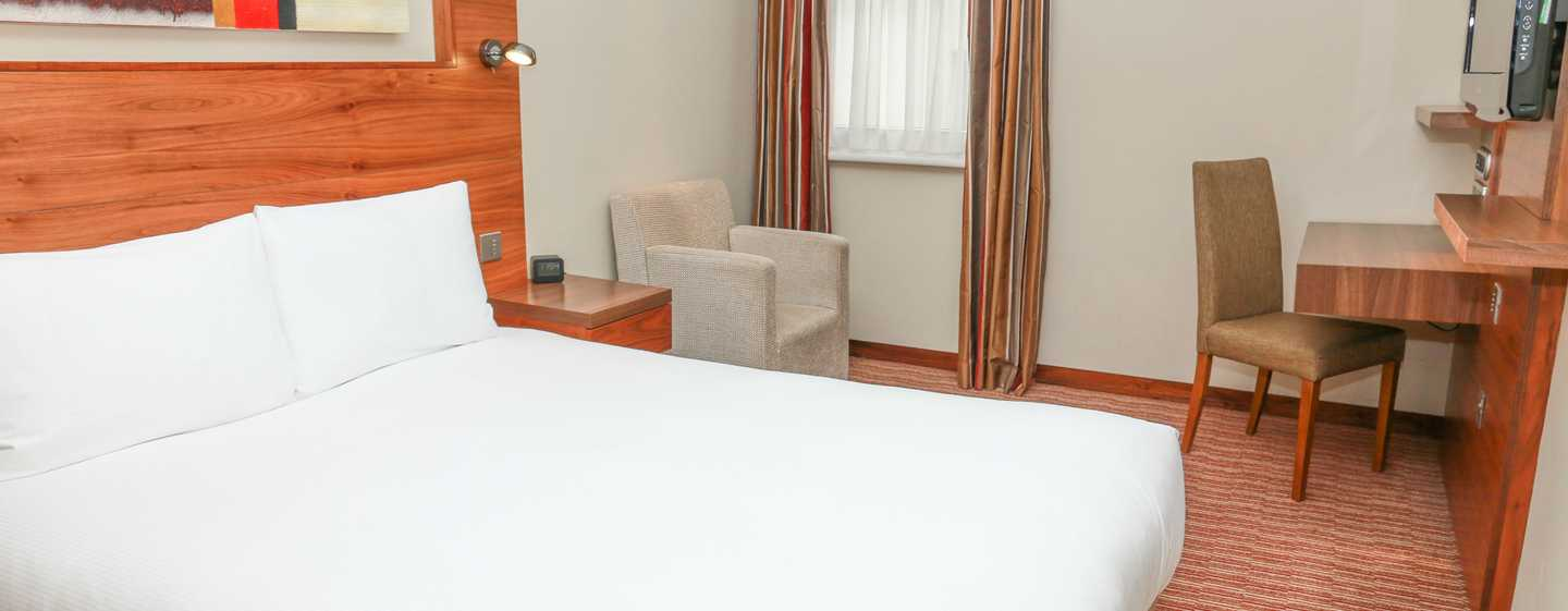 DoubleTree by Hilton Hotel London - Kensington, Regno Unito - Camera con letto queen size