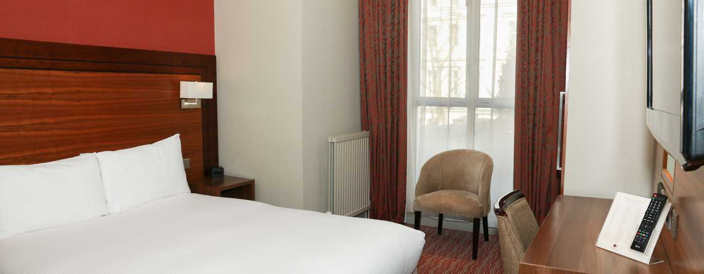 DoubleTree by Hilton Hotel London - Kensington, Regno Unito - Letto queen size