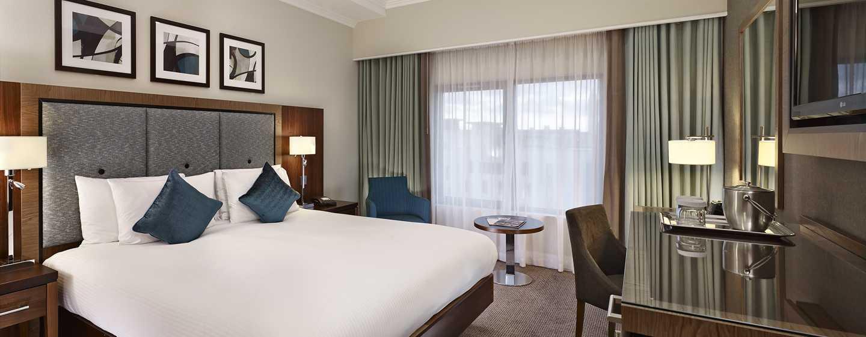DoubleTree by Hilton Hotel London - Victoria, Londra, GB - Camera con letto queen size