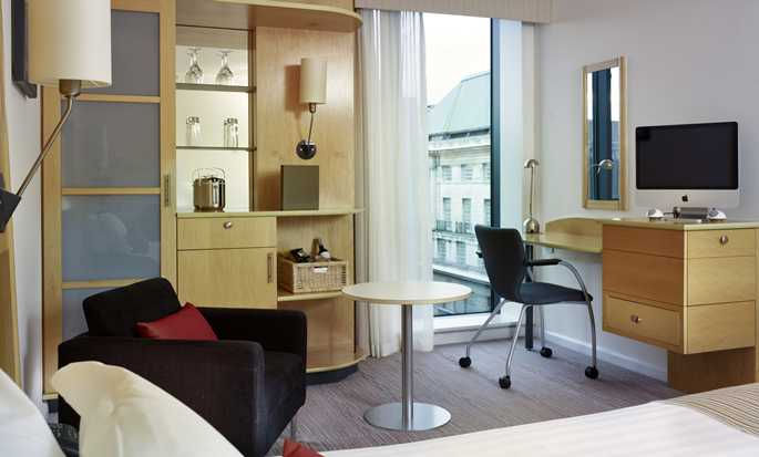 DoubleTree by Hilton Hotel London - Westminster, Regno Unito - Camera Executive con letto queen size