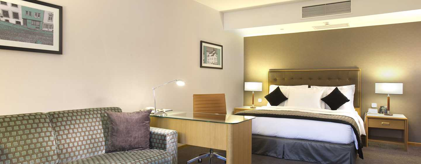 DoubleTree by Hilton Hotel Luxembourg, Lussemburgo - Camera Deluxe con letto king size
