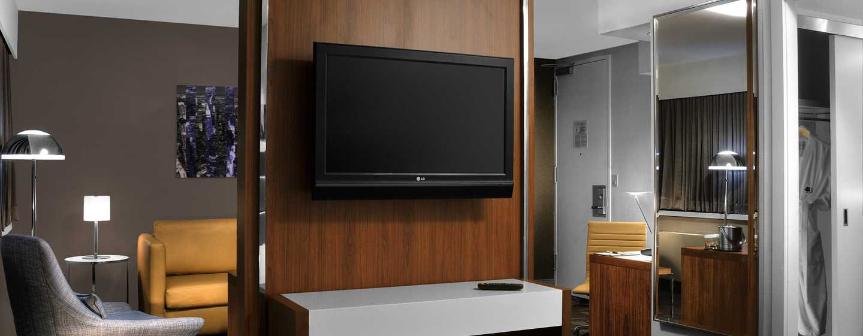 DoubleTree by Hilton Hotel Metropolitan - New York City, New York - Zona soggiorno della suite