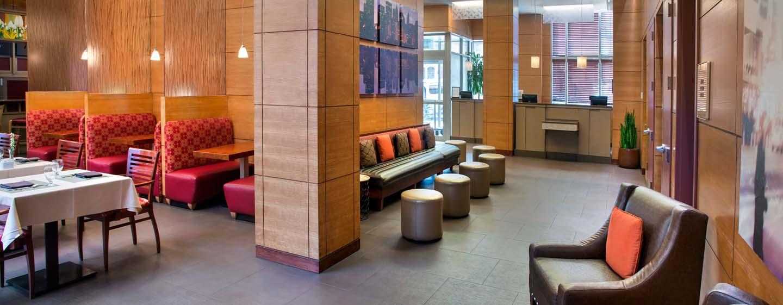 DoubleTree by Hilton Hotel New York - Lobby