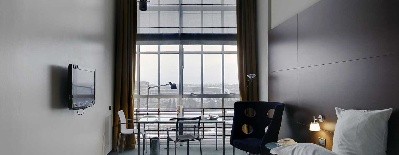 Hotel DoubleTree by Hilton Turin Lingotto, Italia - Camera da letto della Suite Presidential