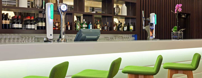 Hotel Hampton by Hilton London Waterloo, Regno Unito - Bar nella lobby