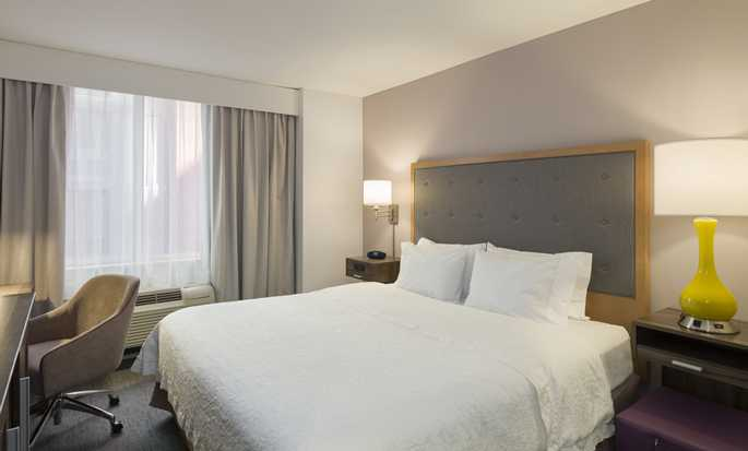 Hotel Hampton Inn Manhattan/Times Square South, New York, Stati Uniti d'America - Camera attrezzata per disabili con letto king size