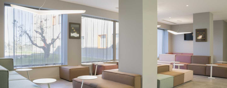 Hampton by Hilton Rome East, Roma - Lobby lounge