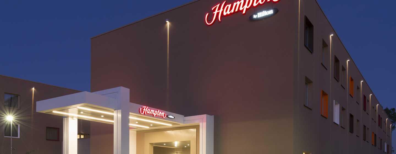 Hampton by Hilton Rome East, Roma - Esterno di notte