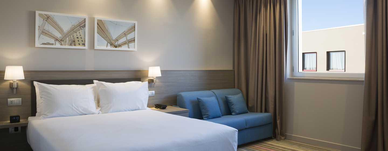 Hampton by Hilton Rome East, Roma - Camera Family con letto queen size