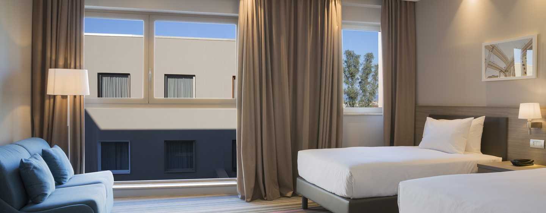 Hampton by Hilton Rome East, Roma - Camera con letti separati