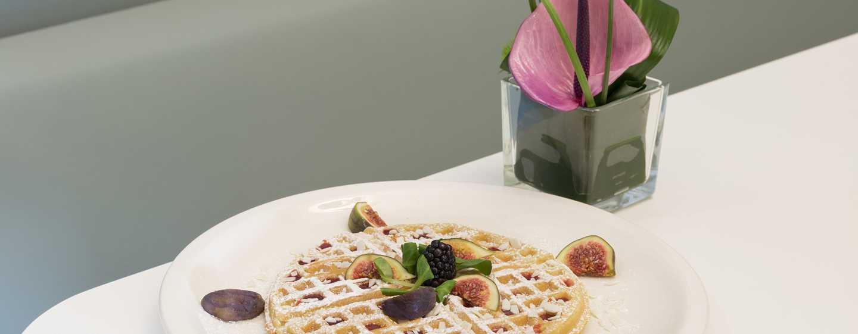 Hampton by Hilton Rome East, Roma - Waffle