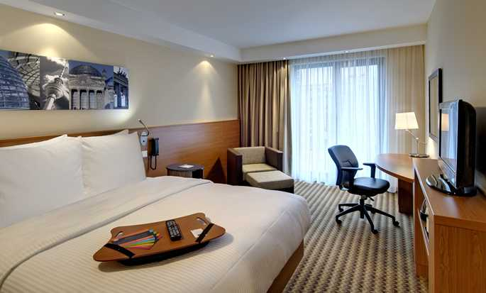 Hotel Hampton by Hilton Berlin City West, Berlino, Germania - Camera con letto queen size