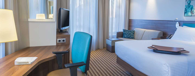 Hotel Hampton by Hilton Voronezh, Russia - Camera con letto queen size