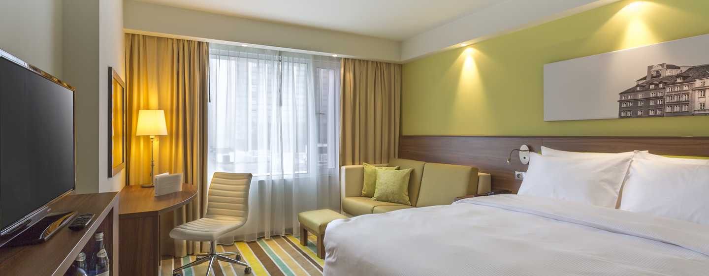 Hotel Hampton by Hilton Warsaw City Centre, Polonia - Camera con letto queen size e divano letto