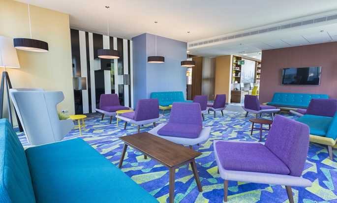 Hampton by Hilton Warsaw City Centre hotel, Polonia
