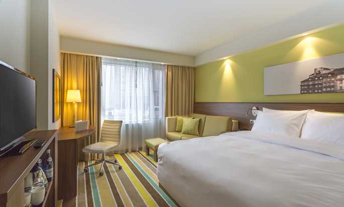 Hampton by Hilton Warsaw City Centre hotel, Polonia - Camera con letto queen size