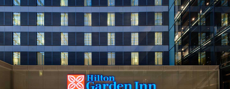 Hotel Hilton Garden Inn Frankfurt Airport, Germania - Entrata dell'hotel