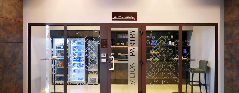 Hilton Garden Inn Milan North, Italia - Pavilion Pantry