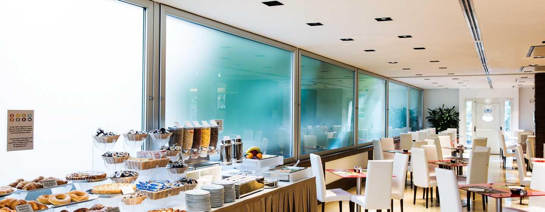 Hilton Garden Inn Rome Claridge, Italia - Area per la prima colazione