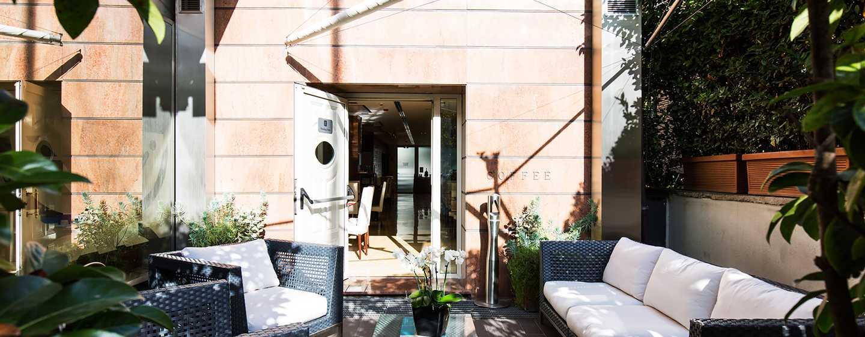 Hilton Garden Inn Rome Claridge, Italia - Patio
