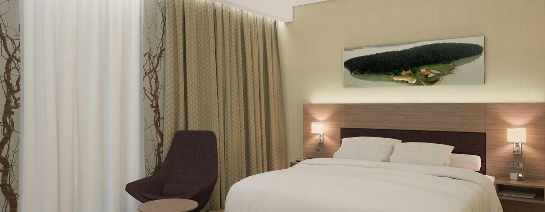Hilton Garden Inn Tirana, Albania - Camera con letto king size