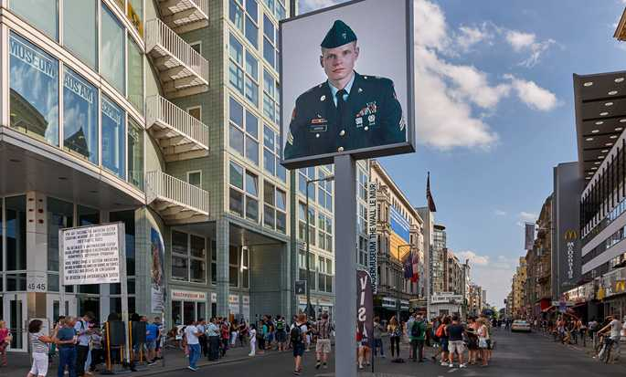 Hilton Berlin, Germania - Checkpoint Charlie