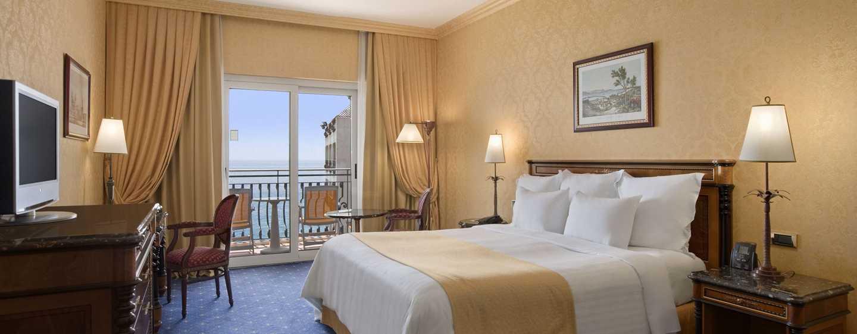Hotel Hilton Giardini Naxos, Sicilia, Italia - Camera Hilton per famiglie con letto king size