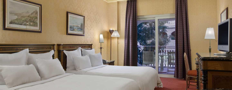 Hotel Hilton Giardini Naxos, Sicilia, Italia - Camera Hilton con due letti queen size