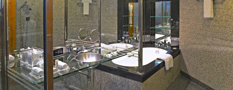 Hotel Hilton Dubai Creek, Emirati Arabi Uniti – Vasca da bagno