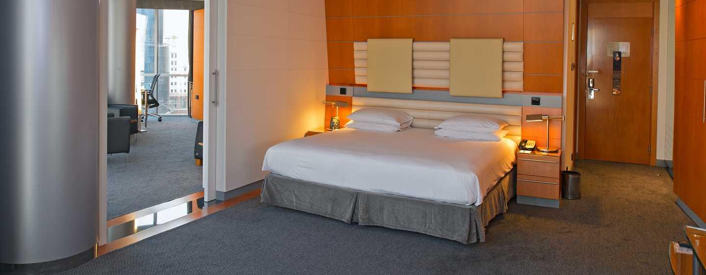 Hotel Hilton Dubai Creek, Emirati Arabi Uniti – Suite Deluxe con letto king size