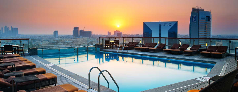 Hotel Hilton Dubai Creek, Emirati Arabi Uniti – Piscina al tramonto