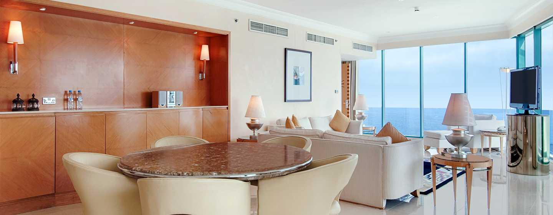 Hilton Dubai Jumeirah, Dubai, Emirati Arabi Uniti - Suite Panoramic con letto king size