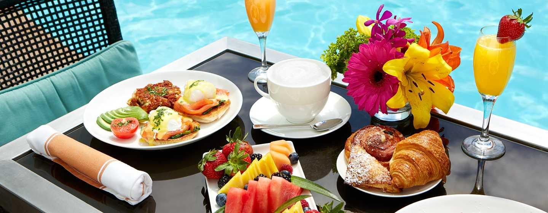 The Beverly Hilton, Stati Uniti d'America - Ristorazione a bordo piscina