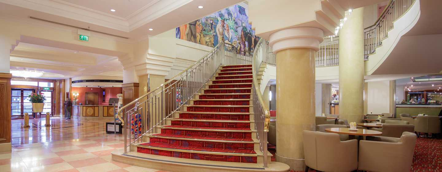 Hilton London Paddington, Regno Unito - Scala della hall al piano conferenze