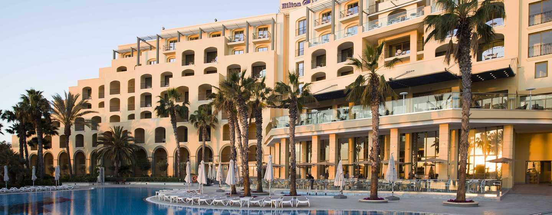 Hotel Hilton Malta, St. Julian's, Malta - Vista della piscina