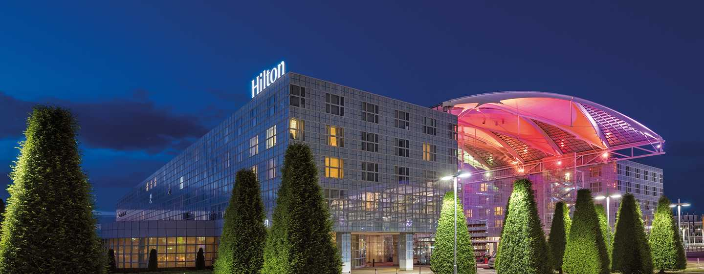 Hilton Munich Airport, Germania - Hilton Munich Airport di sera