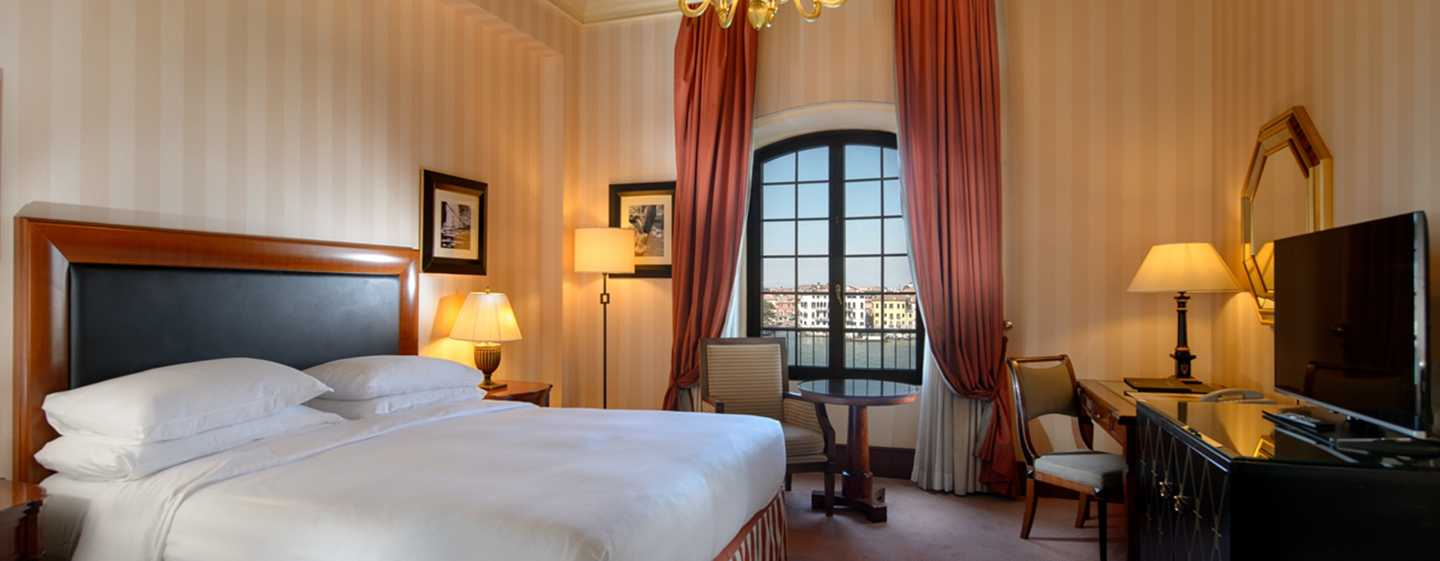 Hotel Hilton Molino Stucky Venice, Italia - Camera Executive con letto king size e vista