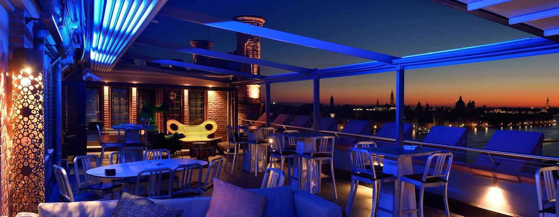 Hotel Hilton Molino Stucky Venice, Italia - Skyline Rooftop Bar