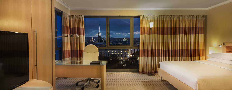 Hotel Hilton Vienna, Vienna, Austria - Suite Junior con vista sulla cattedrale