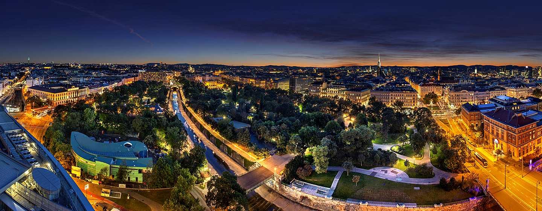Hotel Hilton Vienna, Vienna, Austria - Vienna di sera