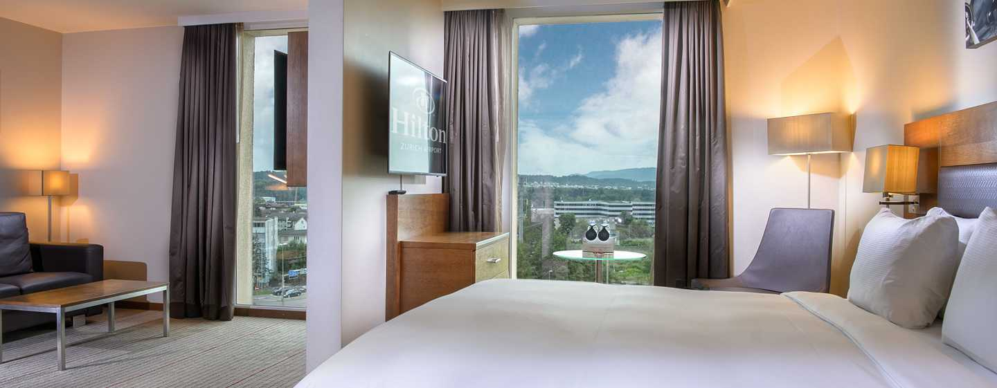 Hilton Zurich Airport, Svizzera - Suite Junior con letto queen size