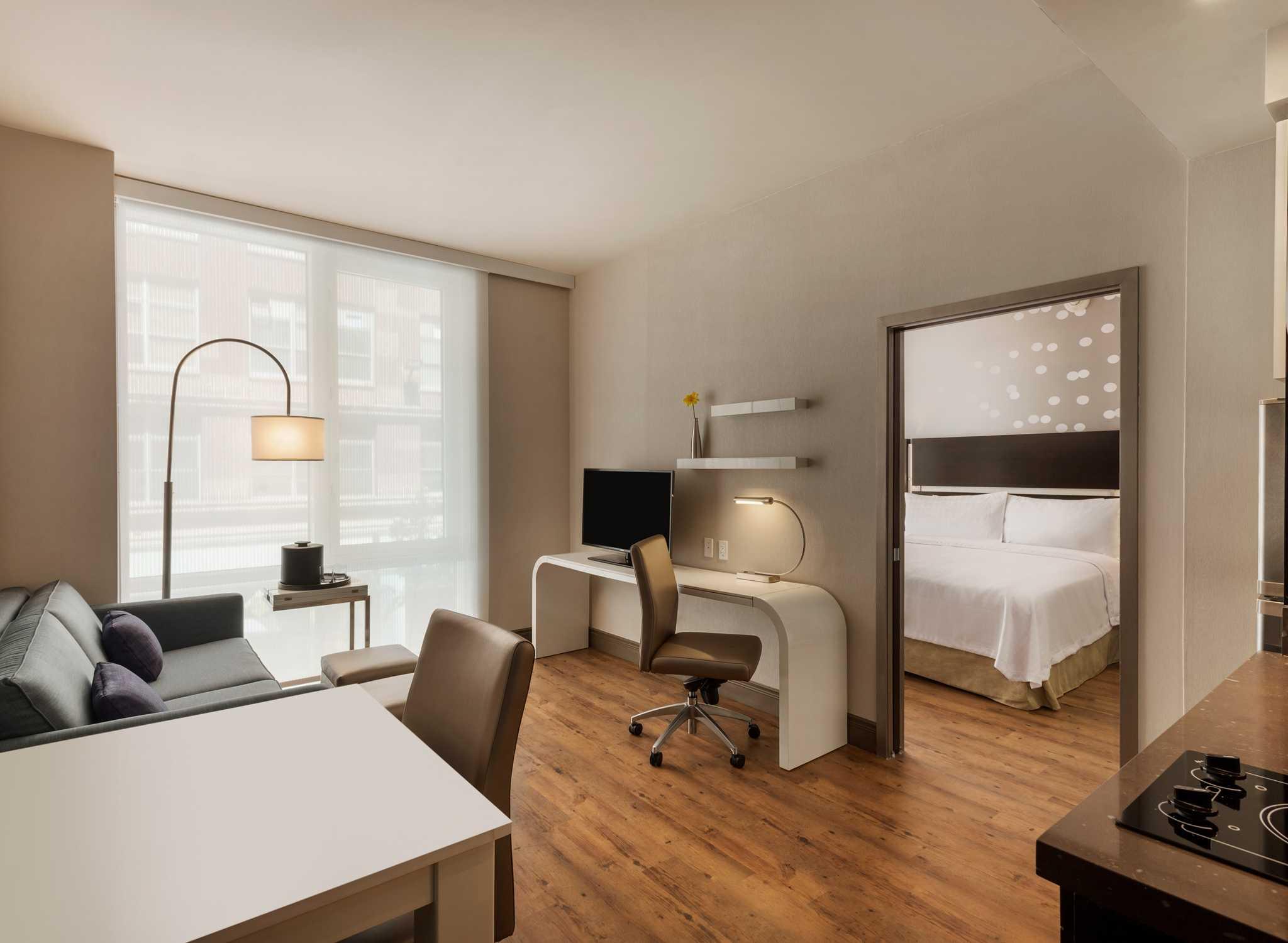Hotel per soggiorni prolungati Homewood Suites New York/Midtown ...