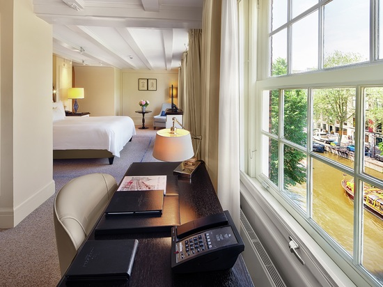 Hotel Waldorf Astoria Amsterdam, Paesi Bassi - SUITE JUNIOR CON LETTO KING SIZE E VISTA