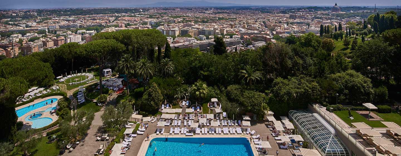 Rome Cavalieri, A Waldorf Astoria Resort, Italia - Vista diurna su Roma dalla terrazza dell'hotel