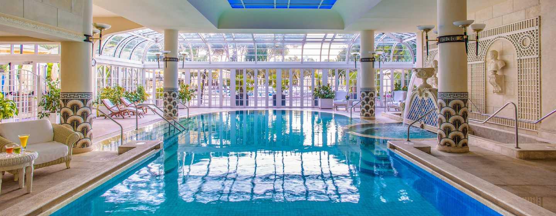 Hotel con sistemazioni a 5 stelle a roma rome cavalieri waldorf astoria - Hotel piscina roma ...