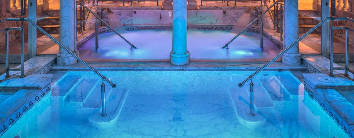 Rome Cavalieri, A Waldorf Astoria Resort, Italia - Vasca idromassaggio del Cavalieri Grand Spa Club